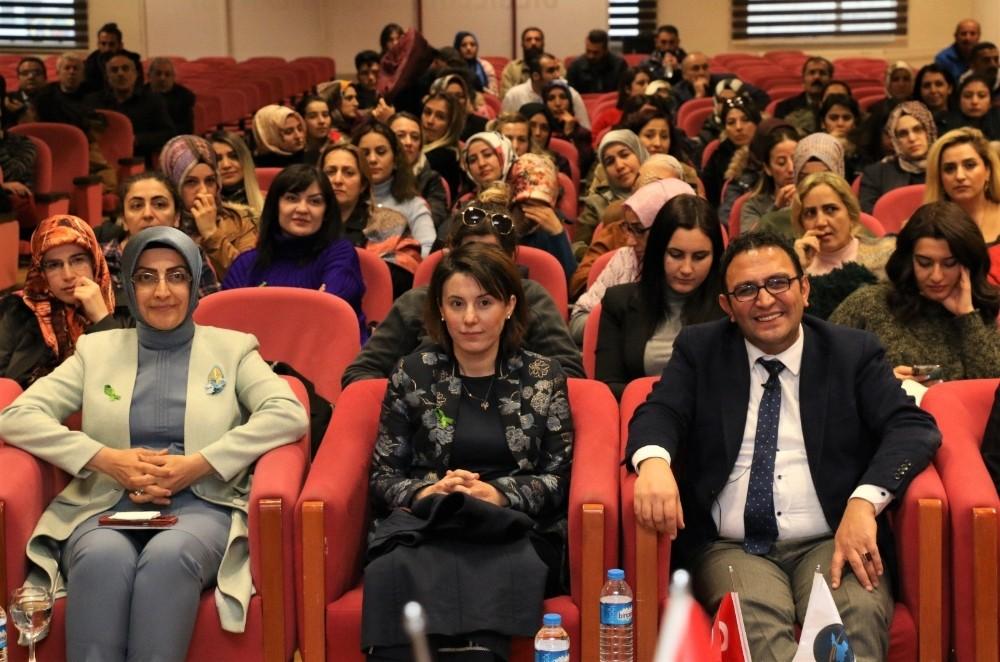 Dünyaca ünlü Doç. Dr. Murat Gültekin Van halkıyla buluştu