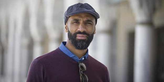 Dünyaca ünlü Müslüman eski futbolcu, 700 yıldır camisi olmayan şehre cami yaptıracak