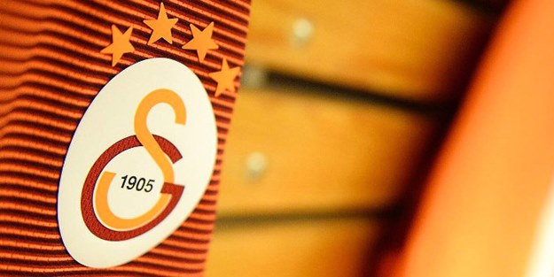 Dünyaca ünlü yıldız futbolcudan flaş açıklama:Galatasaray'ı tutuyorum