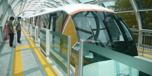 Dünyadaki ilk manyetik raylı tren hizmete girdi
