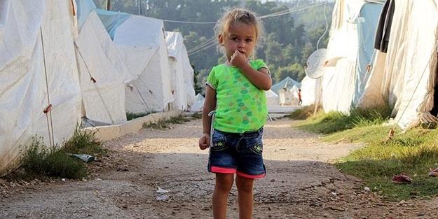 Dünyadaki tüm evleri çadır sanıyorlar!