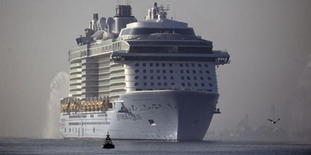 """Dünyanın en büyük yolcu gemilerinden """"Anthem of the Seas"""""""
