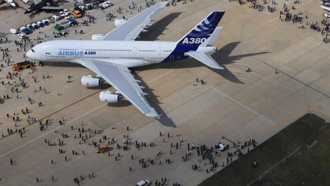 Dünyanın en büyük yolcu uçağı İstanbul Havalimanı'na geliyor