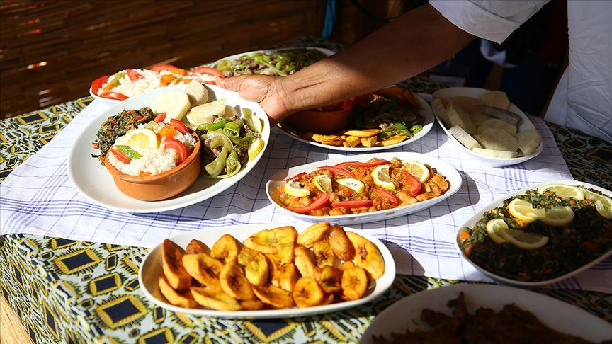Dünyanın geleneksel lezzetleri Etnospor'da ziyaretcilere sunuldu