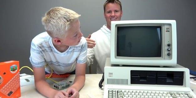 Dünyanın ilk bilgisayarının içini açtılar! İşte içinden çıkanlar...