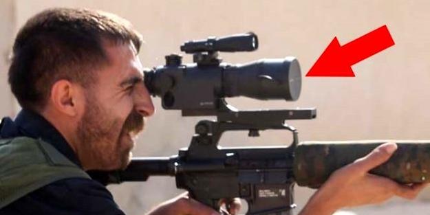 Dürbün kapağını açmadan ateş etmeye çalışmıştı... İşte YPG'li teröristin son hali!.. Yine alay konusu oldu