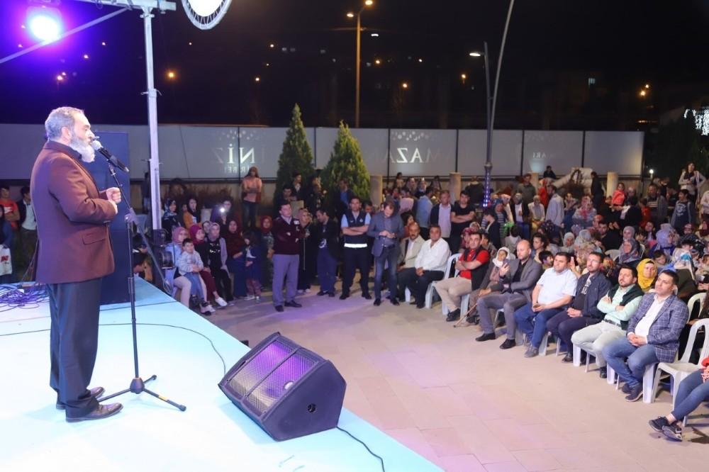 Dursun Ali Erzincanlı şiirleriyle mest etti