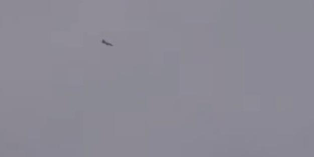 Düşen uçağı arayan zırhlı araç takla attı!