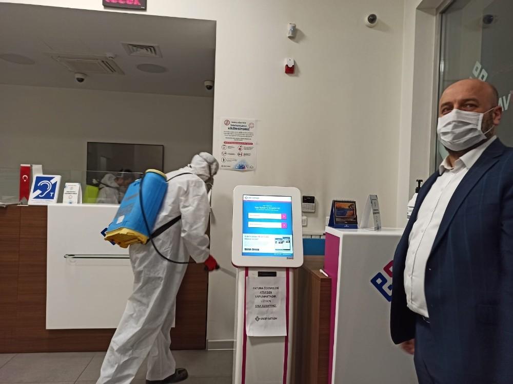 Düzce Belediyesi'nden ATM'lere dezenfekte