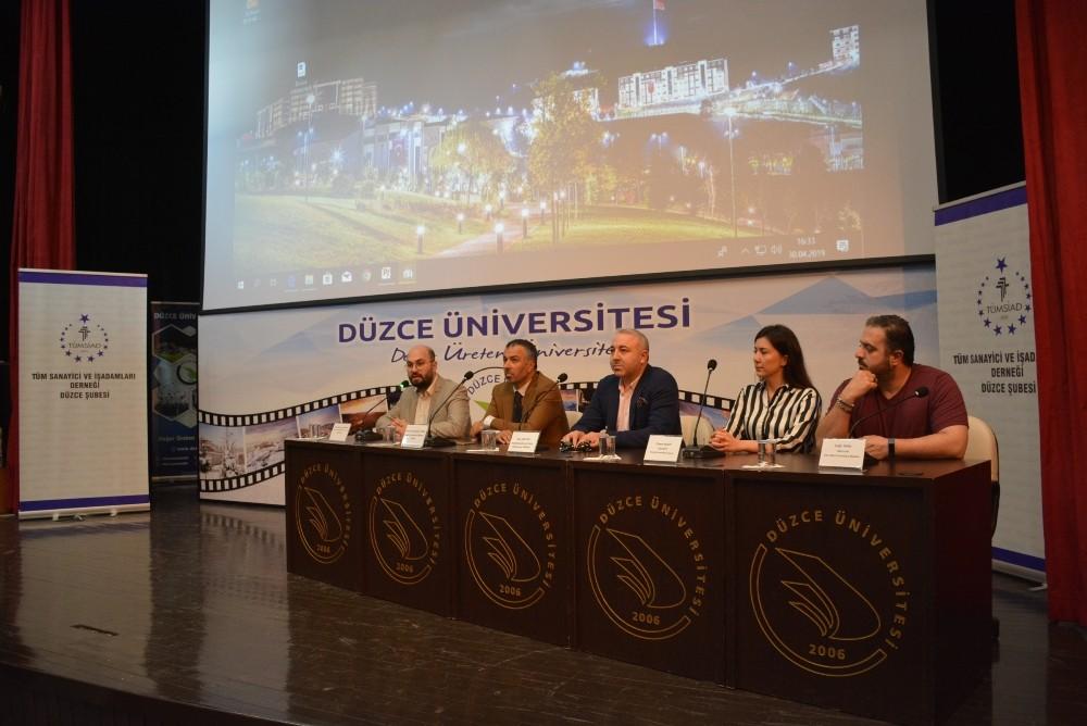 """Düzce Üniversitesi'nde """"Rekabette İnovasyon ve Dijital Pazarlama"""" konuşuldu"""