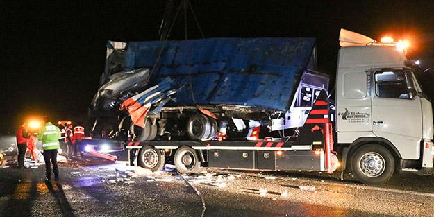 Düzce'de can pazarı! Korkunç kazada 2 ölü, 23 yaralı