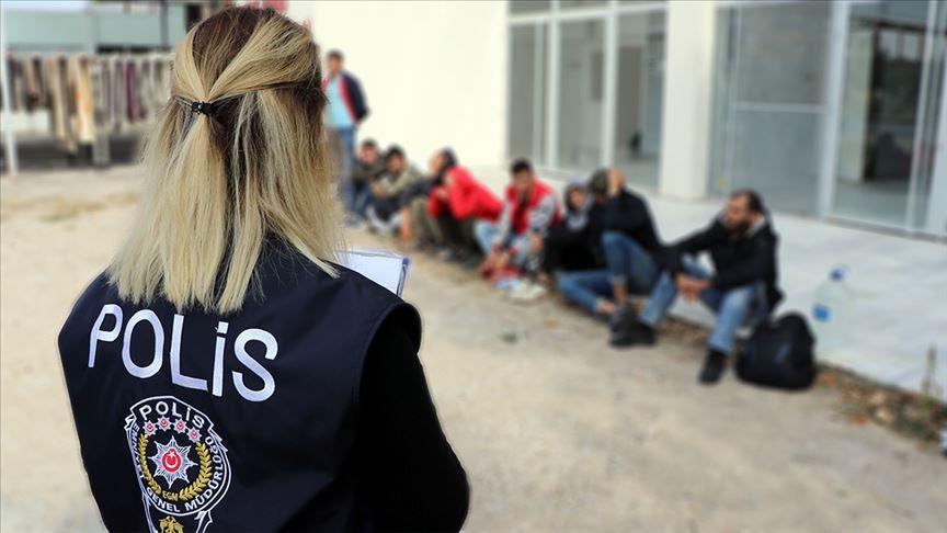 Düzensiz göçle İstanbul'a gelen 42 bin 888 kişi başka illere gönderildi