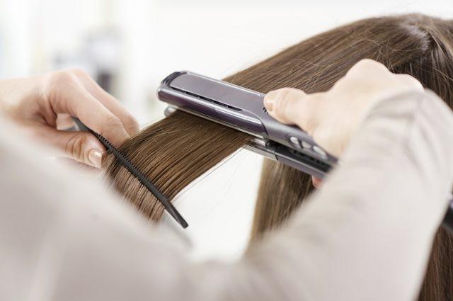 Düzleştirici olmadan saç düzleştirmenin doğal yolları