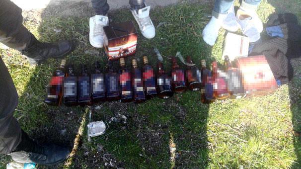 Edirne'de 16 şişeyi vücutlarına koli bandıyla sarmışlar