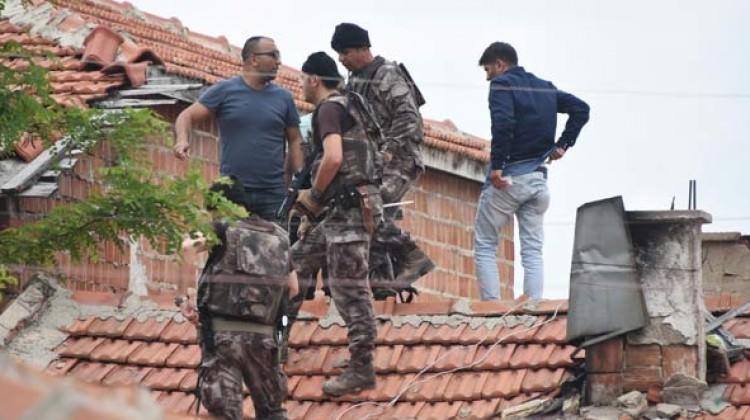 Edirne'de alarm! Özel harekat çatılarda aradı....