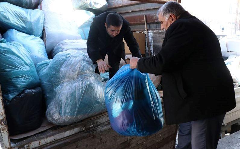 Edremit Belediyesinin üçüncü yardım kamyonu da yola çıktı