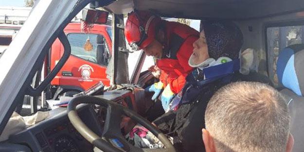 Edremit'te feci kaza! Yaralıları itfaiye kurtardı