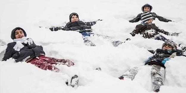 Eğitime kar engeli! Açıklamalar peş peşe geldi