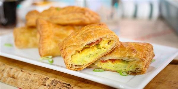Ekmeksiz tost nasıl yapılır? Milföy tost tarifi