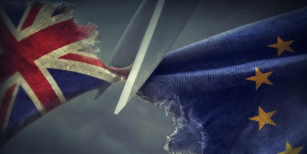 Ekonomi sallantıda! Londra'daki şirketler kaçıyor