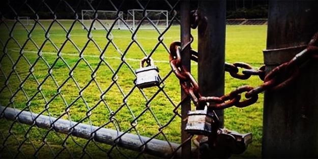 Ekonomik kriz futbolu da vurdu! Maçlar ertelendi!