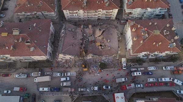 Elazığ depremi ölü ve yaralı sayısı! Elazığ depremi ölenlerin isimleri