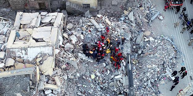 Elazığ depremi sonrası bir köy harabeye döndü