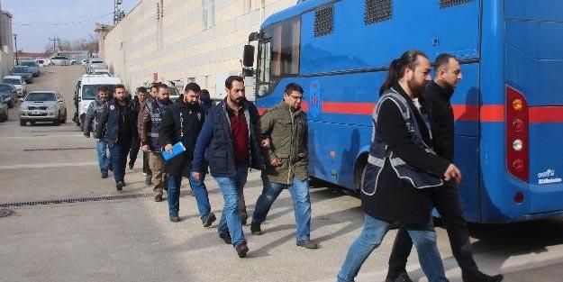 Elazığ merkezli 6 ilde FETÖ operasyonu! 4 muvazzaf asker tutuklandı!