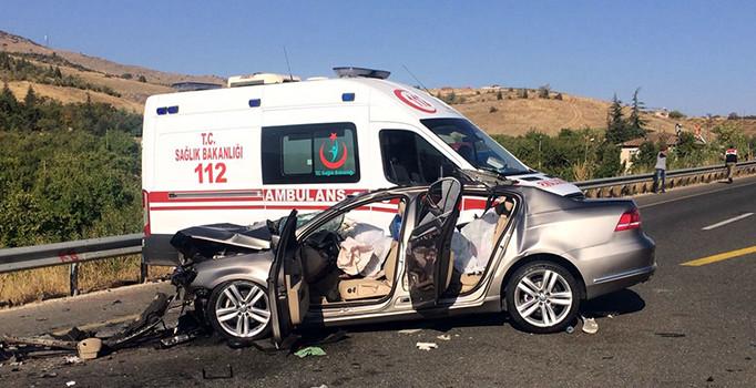 Elazığ'da feci kaza: 3 kişi öldü, 1 kişi de ağır yaralandı