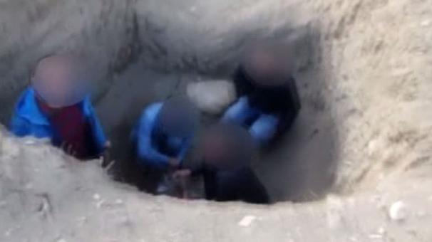 Elazığ'da öğretmen ve arkadaşları uyuşturucu kullanırken yakalandı