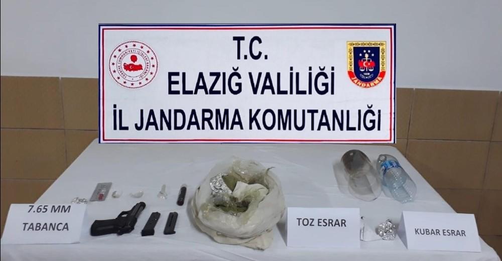 Elazığ'da,toz esrarla yakalanan şüpheli tutuklandı
