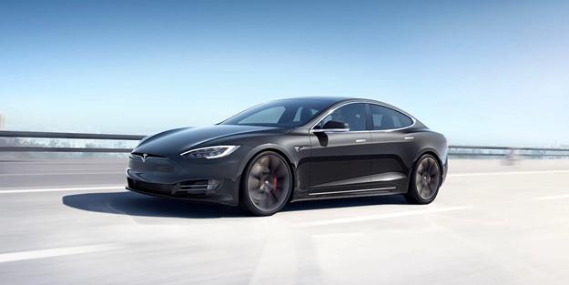 Elon Musk'a büyük şok! 2 polisi ezdi
