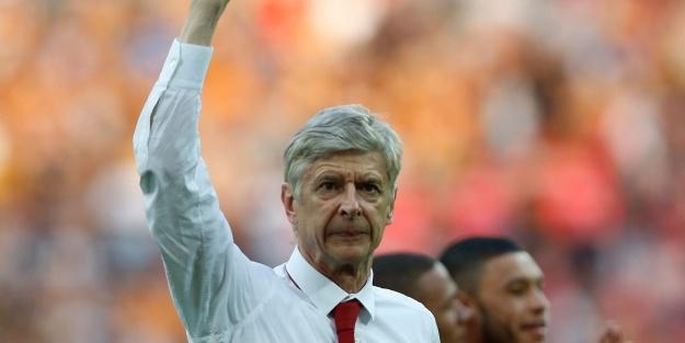 Emekli olması beklenen Wenger'den şaşırtan çıkış!