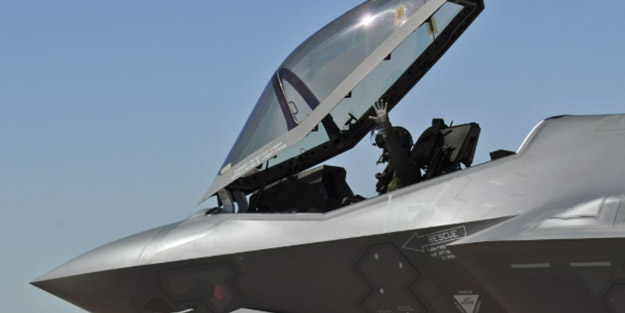 Emekli Tümgeneralden dikkat çeken F-35 açıklaması! 'Akdeniz'de, Ege'de, Karadeniz'de uçuramazsınız'