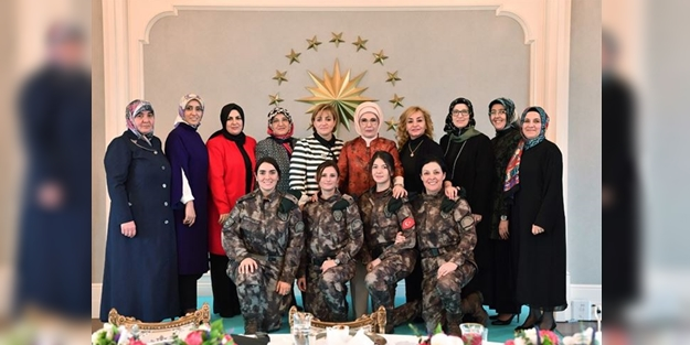 Erdoğan'dan özel harekatçıların eşlerine yemek