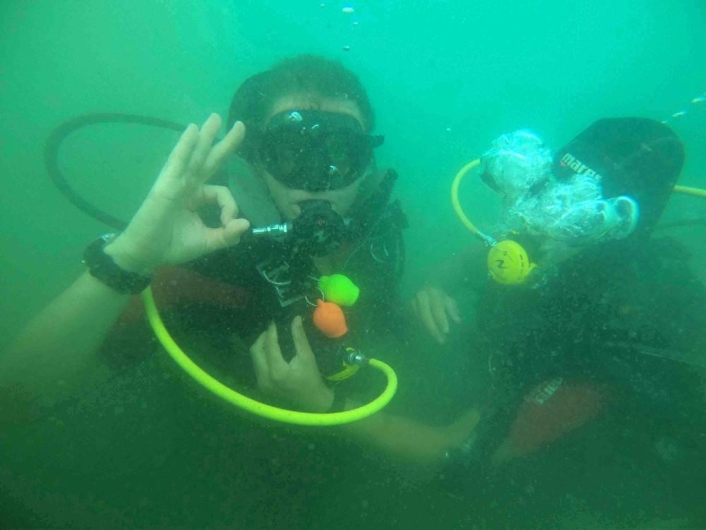 Engelliler Zafer Bayramı'nı su altında kutladı