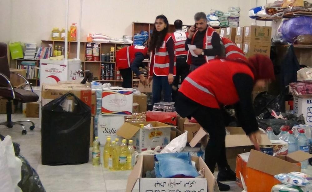 Erciş halkı depremzedeler için seferber oldu