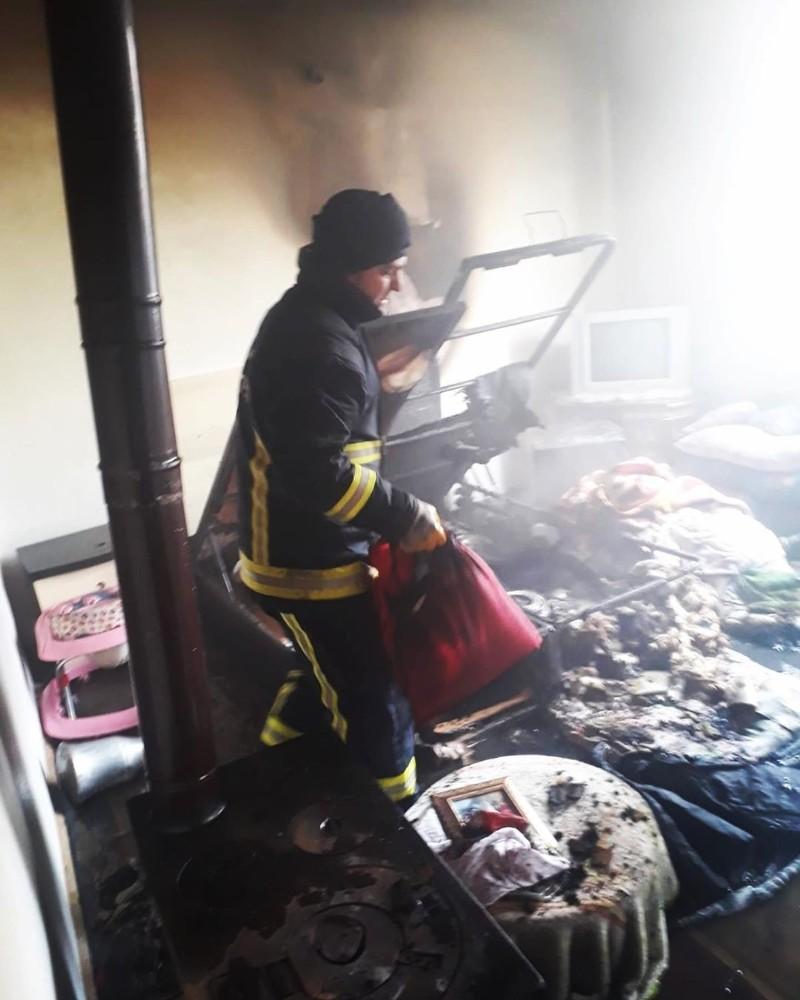 Erciş'te ev yangını