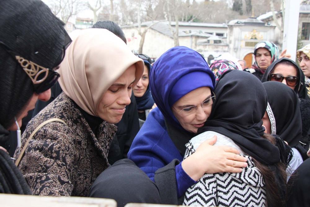 Erdoğan'ın acı günü: Son yolculuğuna uğurlandı!