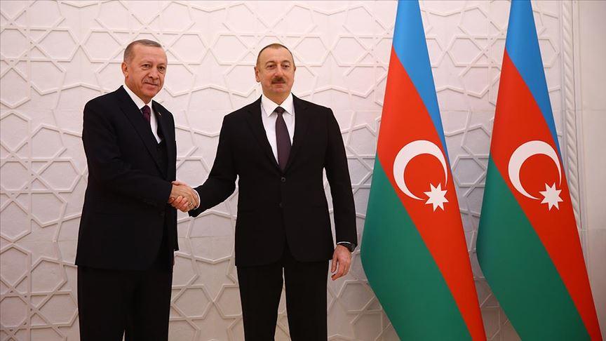 Erdoğan Azerbaycan Cumhurbaşkanı Aliyev tarafından resmi törenle karşılandı
