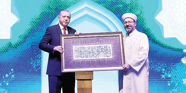Erdoğan: Din adamları gönülleri fethetmeli