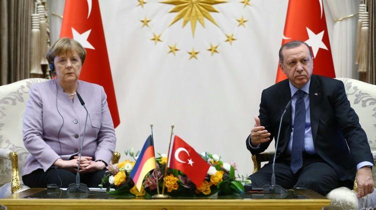 Erdoğan Merkel'e yaptığı görüşmedeki o anı anlattı