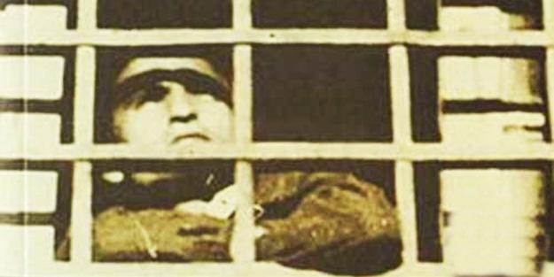 Erdoğan tarihi konuşmasında şiirini okudu! Ayasofya Camii için idamla yargılanan Osman Yüksel Serdengeçti'nin tarihi savunması