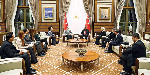 Erdoğan, ünlü sanatçılarla buluştu