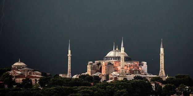 Erdoğan'dan 'Ayasofya' müjdesi: Cami olarak anılacak