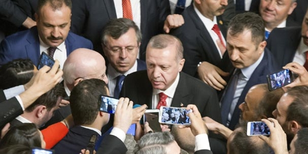 """Erdoğan'dan kendisine parmak sallayan CHP'liye sert tepki: """"Aşağıda olsaydım ağzının..."""""""