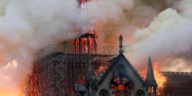 Erdoğan'dan Notre Dame açıklaması: Bizi derinden sarstı