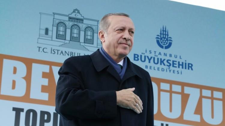 Erdoğan'dan o pankarta sert tepki