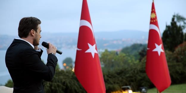 Erdoğan'ın iftarında ezanı o isim okudu