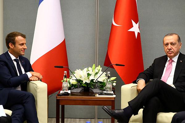 Erdoğan'ın, Macron'a yönelik eleştirileri Fransızları rahatsız etti
